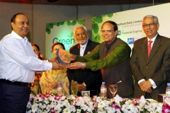 bashundhara-group-chairman-ahmed-akbar-sobhan-receives-star-client-award_02