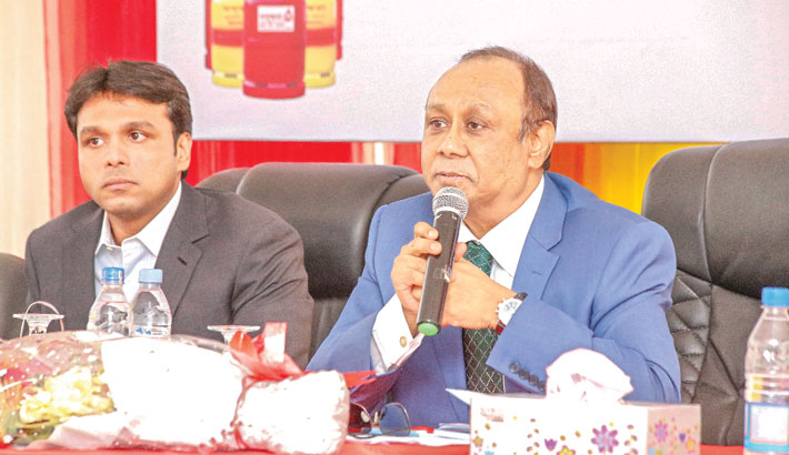 Bashundhara Group Chairman Ahmed Akbar Sobhan speaks at a function. Bashundhara Group Vice-Chairman Shafiat Sobhan was also present. The event was organised on the occasion of attaining a goal of refilling the highest number of cylinders last month